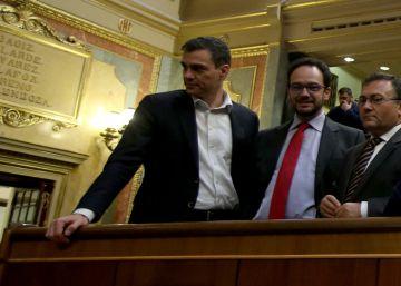 El cierre de la legislatura se le indigesta aún más a Sánchez con dos renuncias
