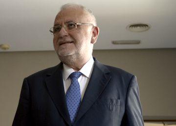 Cotino niega que la trama Gürtel le regalara un abrigo de 375 euros