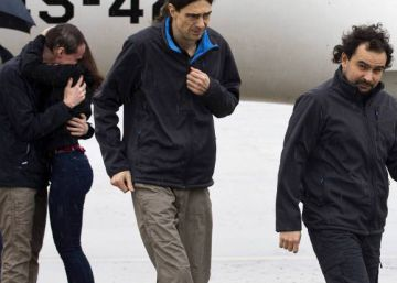 Released Spanish journalists arrive in Madrid, give account of ordeal