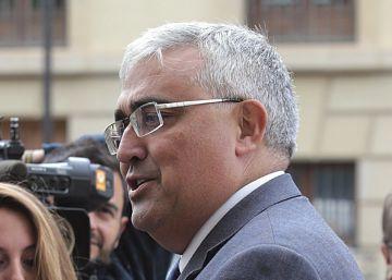 El consejero andaluz de Economía niega irregularidades en las adjudicaciones