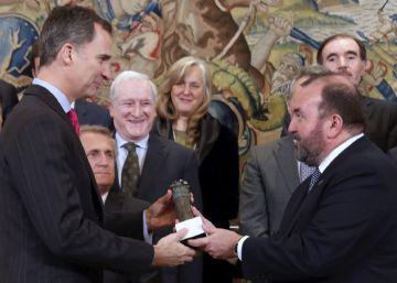 """Felipe VI agradece a los diarios que creen """"ciudadanos informados y con criterio"""""""