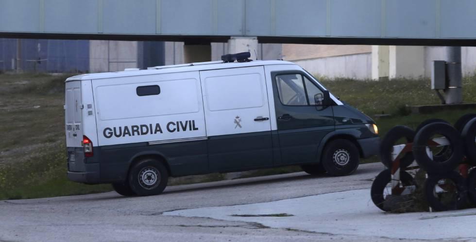 Un furgón de la Guardia Civil en una imagen de archivo.