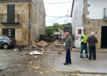 Mueren dos personas en un accidente de avioneta en Navarra