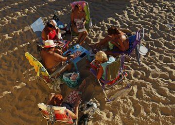 El Supremo permite multar a los nudistas en las playas de Cádiz