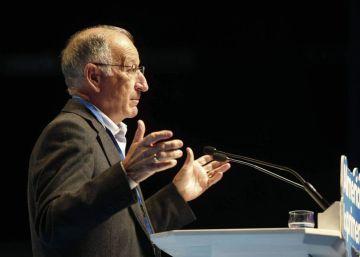 Un tribunal insta a seguir investigando a Amat, el líder del PP en Almería