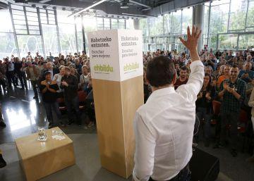 """Otegi responde a los disidentes que en su proyecto soberanista """"caben todos"""""""