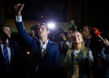 Rivera acusa a Podemos de apoyar la represión a los opositores en Venezuela