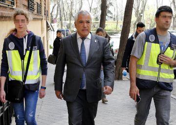 Ausbanc despedirá a sus trabajadores y cerrará sus oficinas el 31 de mayo