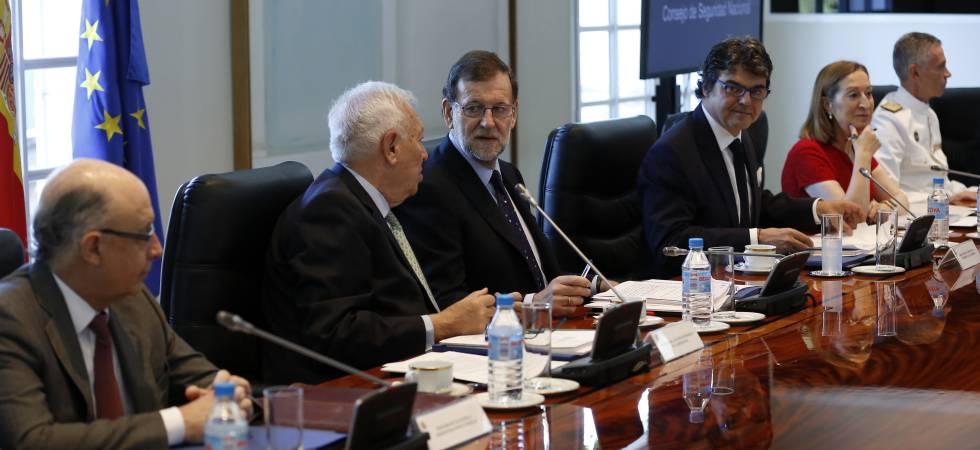 Montoro, Margallo, Rajoy, Moragas y Pastor, este viernes.