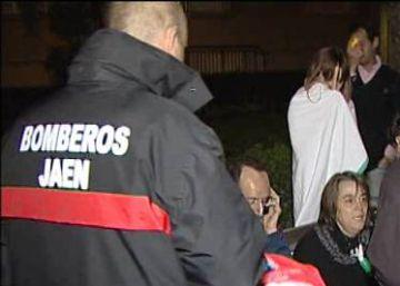 Bomberos de Jaén, durante una pasada intervención.