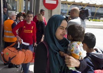 La reubicación de refugiados prosigue con otro grupo de 45 sirios e iraquíes