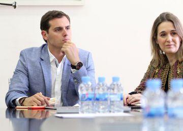 """Ciudadanos cambia su estrategia y se presenta como freno del """"populismo"""""""