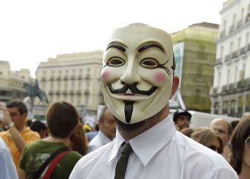 Anonymous 'hackea' la web de la mutua de la Policía Nacional