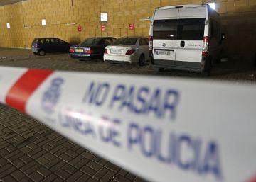 Un hombre mata a su pareja en Sevilla y deja el cuerpo en un coche