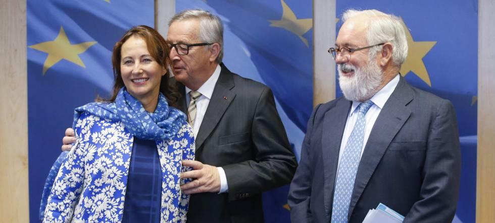 Miguel Arias Cañete con Jean-Claude Juncker y Ségolène Royal.