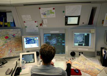 Pilotos y controladores solo podrán hablar en español si son hispanohablantes