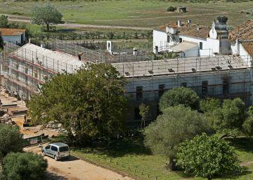 El fiscal denuncia las obras sin licencia del CSIC en Doñana
