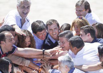 Rivera apela a los afectados por la crisis frente al PP