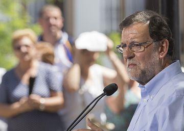 """Rajoy califica de """"broma"""" que se le acuse de una conspiración anticatalana"""