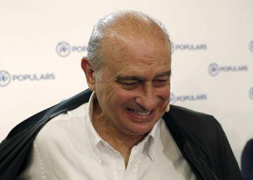 """Fernández Díaz: """"¿Dimitir? No pienso darle ese gusto al independentismo"""""""