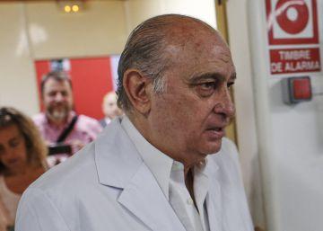 La policía acude a 'Público' a reclamar las grabaciones de Fernández Díaz