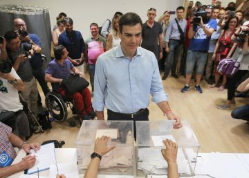 Sánchez pide que los españoles decidan su futuro y evita hablar del 'sorpasso'