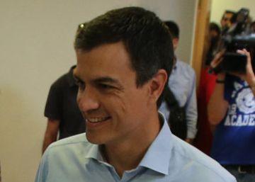 El PSOE resiste el 'sorpasso' y afronta su papel más difícil en democracia