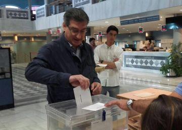 El PP vuelve a ganar de la mano del Foro Asturias