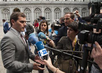 Los fundadores de Ciudadanos se oponen al veto de Rivera a Rajoy