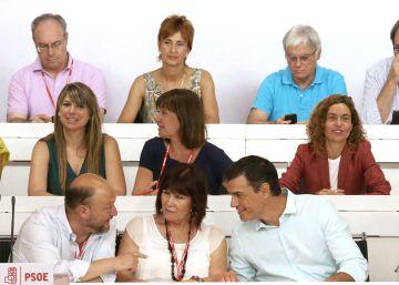 El PSOE revisará su 'no' a Rajoy si roza la mayoría absoluta con otros grupos