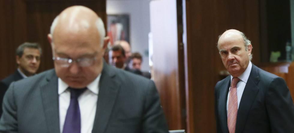 Luis de Guindos, ministro de Economía, en una reunión en Bruselas.