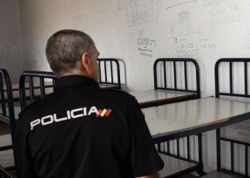 España expulsó a 10.600 extranjeros en 2015