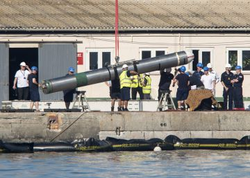 British Navy unloading weapons from nuclear submarine in Gibraltar