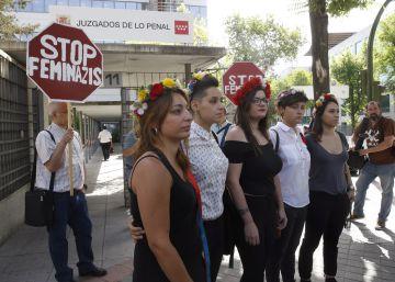 Absueltas 5 miembros de Femen que pararon una marcha antiabortista