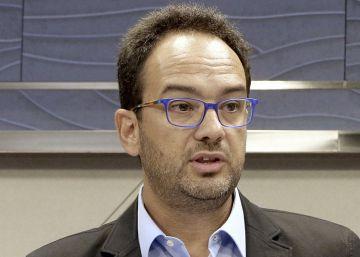 La dirección del PSOE frena el debate sobre la investidura