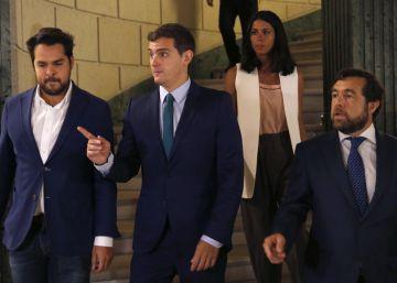 Ciudadanos avisa a Rajoy ante su cita con Rivera de que no se moverá de la abstención