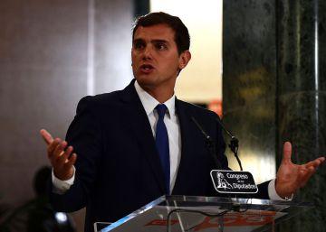 """Rivera asegura que """"en ningún caso"""" entrará en el gobierno de Rajoy"""