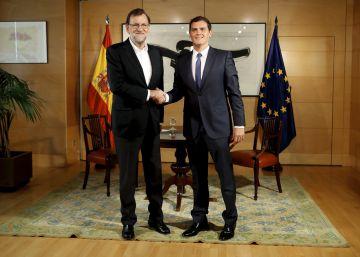 Rajoy y Rivera negociarán medidas que faciliten la abstención del PSOE