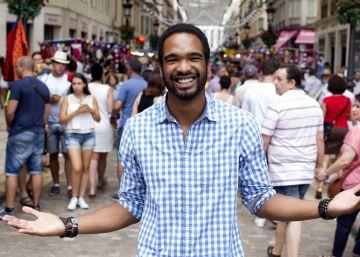 El actor Will Shephard denuncia discriminación racial en una caseta de la feria de Málaga