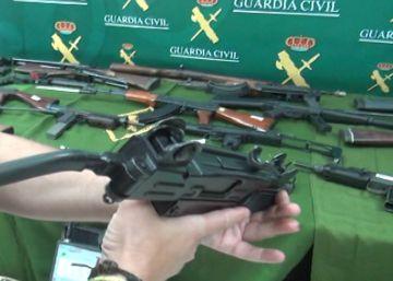 Detenido con 60 armas de fuego y 70 kilos de material explosivo en Sevilla