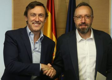 PP and Ciudadanos sign corruption pact ahead of investiture negotiations