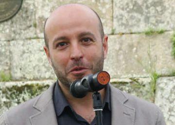 El 87% de las bases de En Marea apoya al juez Villares, único aspirante