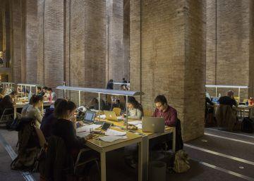 Cataluña cobra más a los universitarios que siguen estudiando