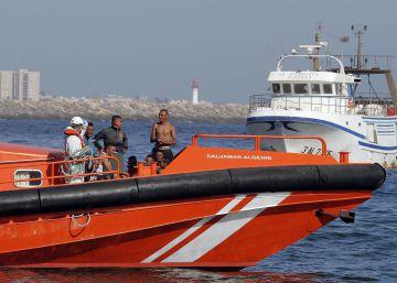 Rescatados 53 subsaharianos en una patera al sur de Málaga
