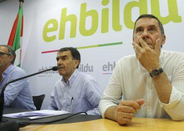 Rueda de prensa de Iñigo Iruin y Arnaldo Otegi en San Sebastián.
