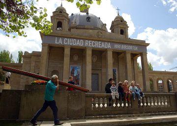 Pamplona exhumará los cuerpos de Mola y Sanjurjo del Monumento a los Caídos