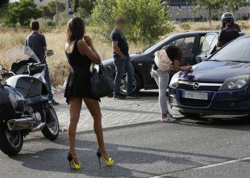 Un año de 'ley mordaza': denunciados un millar de prostitutas y clientes