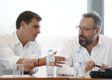 Rivera se ofrece a apoyar a Feijóo frente a las mareas