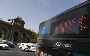 Termometro en la Plaza de la independencia, Madrid.