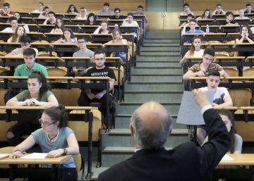 Nueve Universidades se blindan ante la incertidumbre de las reválidas